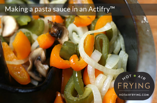 Making-a-pasta-sauce-in-an-Actifry