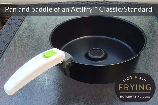 Pan and paddle of an Actifry Classic Standard